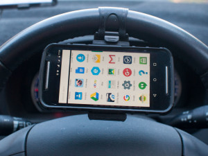 Is a mobile phone steering wheel mount legal in Australia?